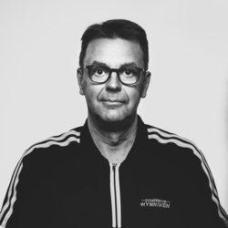 Risto Mäläskä, Kuvakeskus Hynninen, Valokuvaaja, Kajaani
